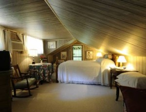 The Cloudland room. (Photo courtesy of Roan Mountain Bed & Breakfast)