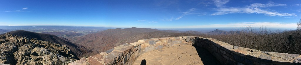 Panorama from Hawksbill Mountain. Photo courtesy of brownpau. CC BY 2.0.