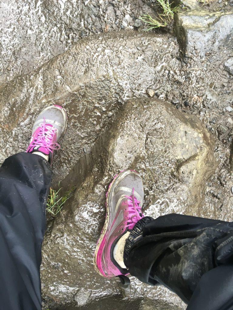 izumi shoe on wet rocks hiking