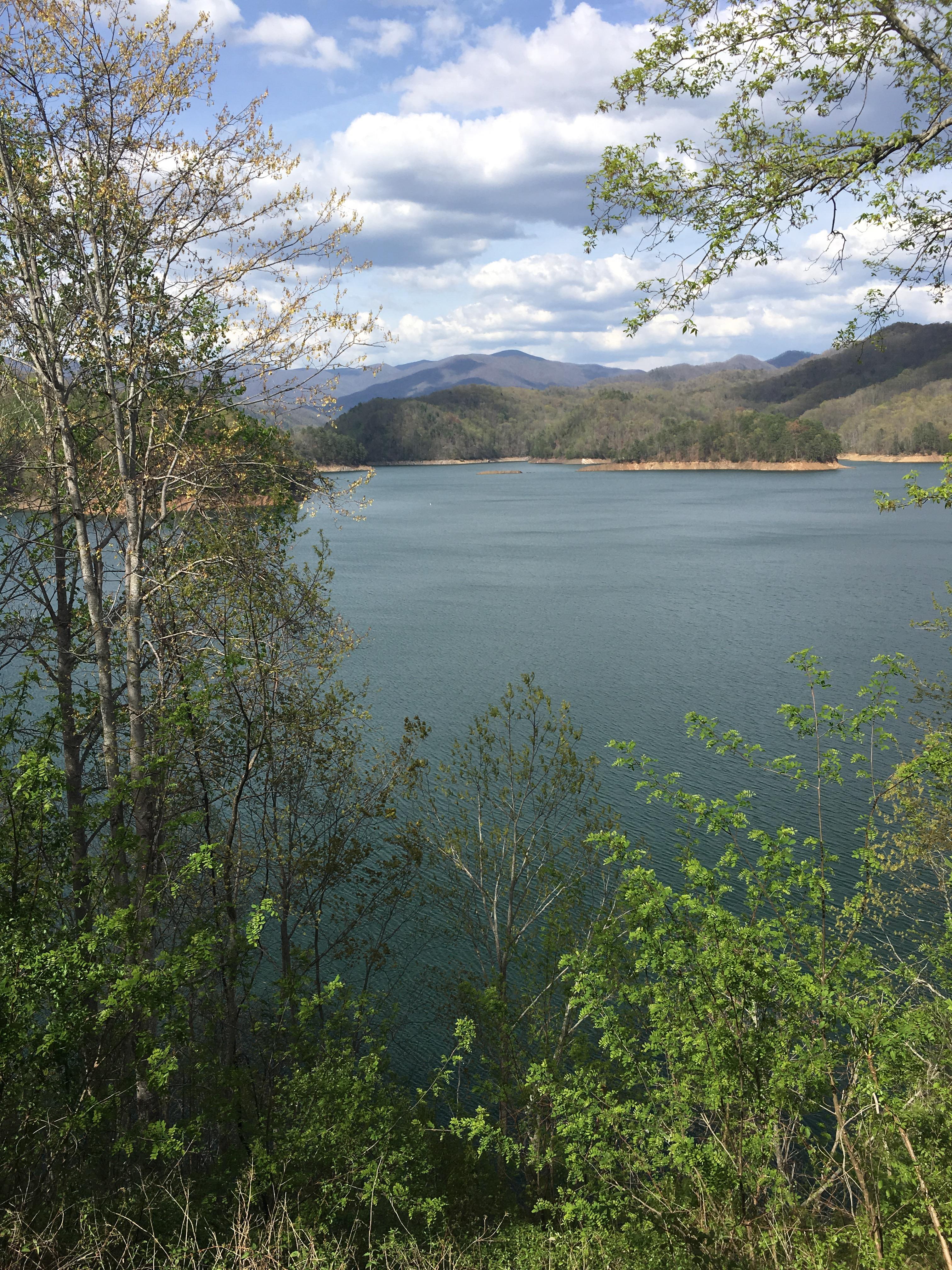The Barefoot Hiker Survives Franklin, the NOC, Fontana Dam - The Trek