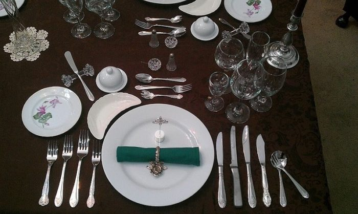800px-formal_place_setting