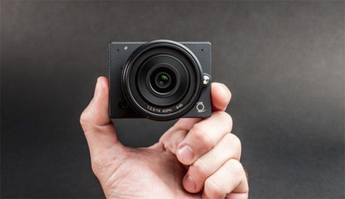 extra compact camera