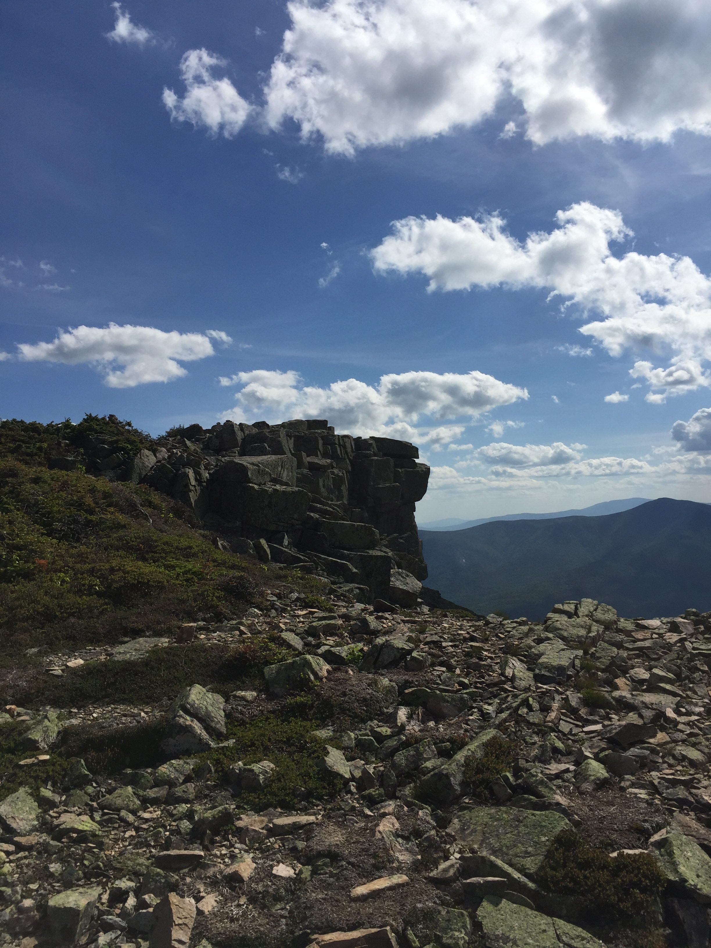 Top Day Hikes in New Hampshire: bonds traverse