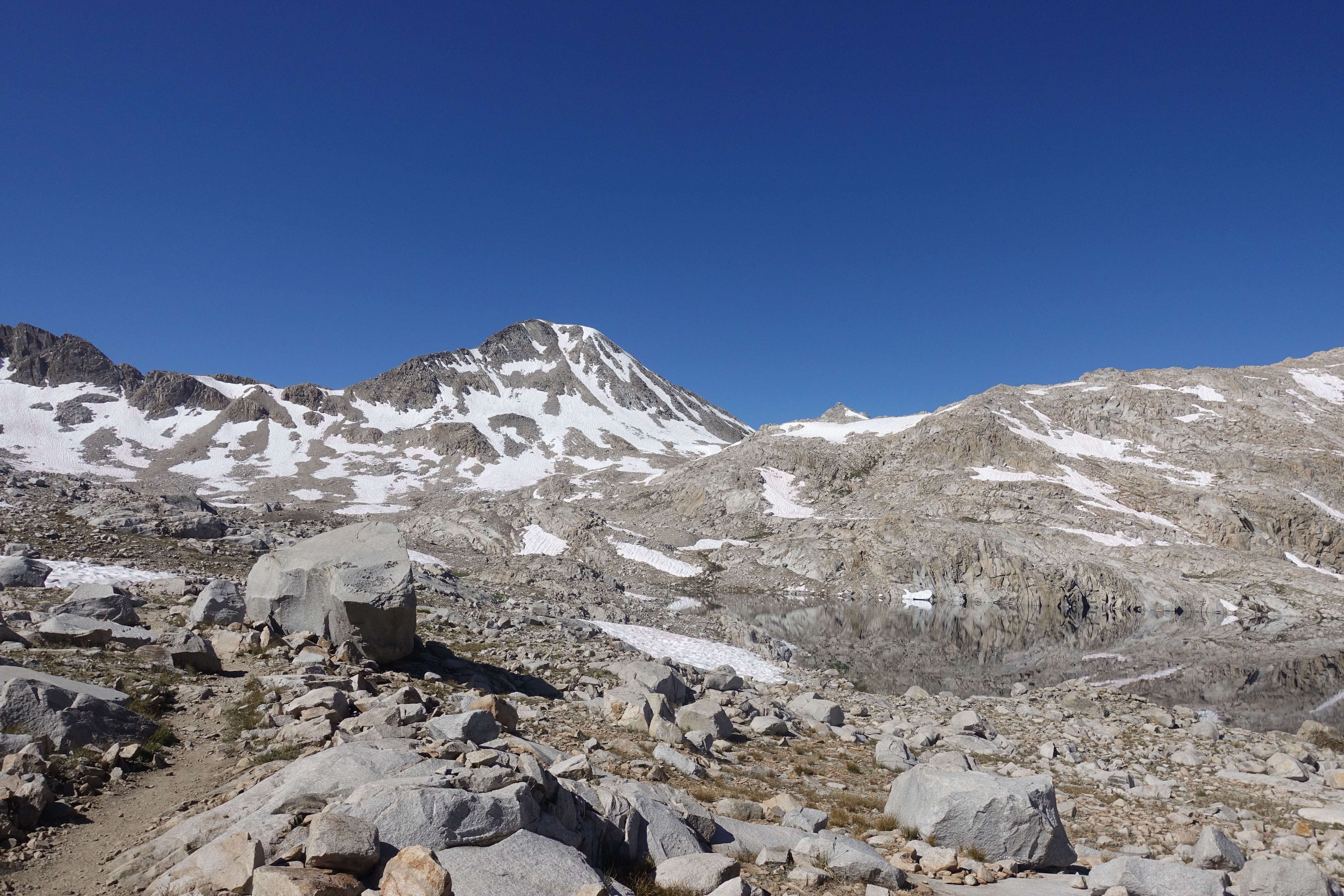 approaching Muir Pass